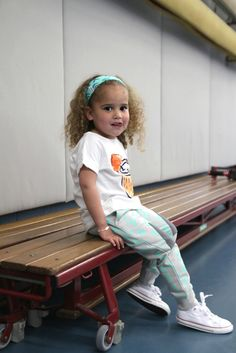 You can totally sit with us! #gymclass #hipsters #kidsfashion #kidsstyling #kidsstylist #indikidual #bebedepino #childish #supercolors #adidas #ninaelebbaas for more pictures and product info please check out my blog on www.ninaelenbaas.com