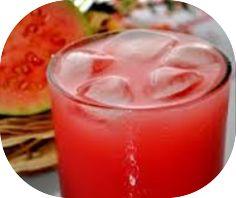 Saiba como fazer suco de goiaba com melão, ótima receita para tomar durante a dieta para emagrecer. Rica em nutrientes que ajudam na saúde e a emagrecer