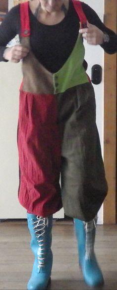 """Pumphosen - Latzhose im Sarouel.- Pumphosen Look """"Babycord"""" - ein Designerstück von Die-Revoluzzerin bei DaWanda"""