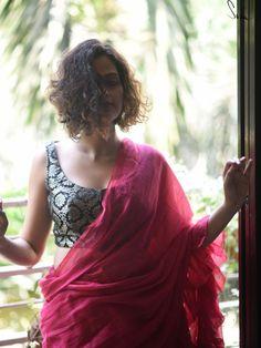 Gold Blouse, Saree Blouse, Humble Design, Brocade Saree, Types Of Work, Black Saree, Saree Look, The Allure, Silk Thread