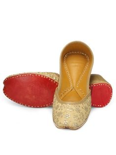 Gold thread work and sequin embellished silk jutti with satin lining and soft genuine leather inside.Designer juttis by Coral Haze | Shop on www.jivaana.com for all your Indian weddings and festivals.  #jivaana #juttis #jootis