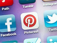 Svi smo obeleženi nalozima na pojedinim društvenim mrežama, i najčešće se okrećemo onim najpopularnijim kao što su Facebook, Twitter, Pinterest, Tumblr, DeviantArt ili Flicker, i često se nikada i ne zapitamo kakve sve internet zajednice postoje, koja im je svrha i kome su namenjene.