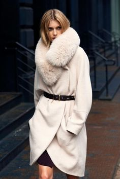Amazing cream colour winder coat and matching fur collar. www.misskrizia.com