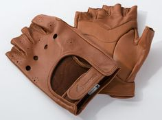 Brancale's Leather Cycling Gloves: The Italian heritage brand gets an American relaunch with the same insistence on old world quality Bike Boots, Bike Gloves, Cycling Gloves, Cycling Gear, Motorcycle Boots, Road Cycling, Bike Gadgets, Bike Equipment, Bike Wear