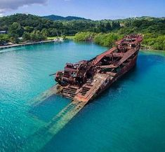 album photo drone dronespace Partly sunken ship in Roatan Honduras. IF YOU NEE… album photo drone dronespace Partly sunken ship Abandoned Ships, Abandoned Places, Trinidad E Tobago, Honduras Travel, Honduras Roatan, Les Continents, Western Caribbean, Santa Lucia, Places Of Interest