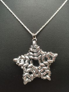 SoftFlexGirl: Free Pattern - DIY Holiday Jewelry - Silver Star Beaded Pendant and Earrings