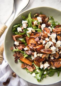 Hold the bacon. This spectacular Roasted Sweet Potato Salad with Honey Lemon Dressing is made with arugula / rocket, pecans, bacon and goats cheese / feta. Perfect pairing of flavours and textures! Vegetarian Recipes, Cooking Recipes, Healthy Recipes, Vegan Meals, Easy Cooking, Delicious Salad Recipes, Health Food Recipes, Cooking Tips, Side Salad Recipes