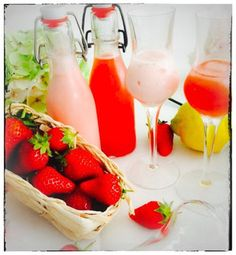 Zweierlei Erdbeer Likör