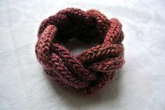 Il filo chiaro...: Turk's head knot : un braccialetto con tricotin
