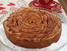 Κέικ τριαντάφυλλο με μήλο και κανέλα