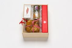 H15045 - Festtagsmahl Crackers, Gifts, Gourmet, Food Gifts, Deli Food, Christmas Presents, Foods, Packaging, Food And Drinks