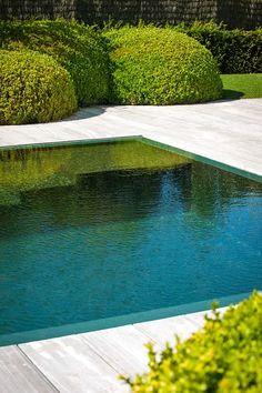 Fata Morgana - Contemporaneo - Piscina - other metro - di Exterior Landscaping and Pools Abu Dhabi & Dubai