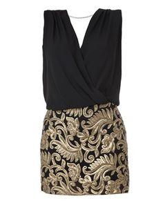 Vestido curto transpassado com aplicação barroca