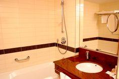 Szállás Sopronban - Fagus Hotel - szobák és lakosztályok 4 Sink, Home Decor, Sink Tops, Vessel Sink, Decoration Home, Room Decor, Vanity Basin, Sinks, Home Interior Design