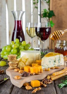 Cheese Plate Wine Snacks Quick Healthy Snack for Party or Home Gatherings Fodmap Recipes, Healthy Soup Recipes, Wine Recipes, Healthy Snacks, Healthy Eating, Dinner Healthy, Meal Recipes, Cookbook Recipes, Dieta Fodmap