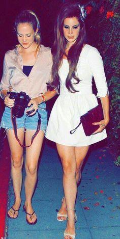 chuck & lana= pretty cool sisters
