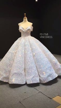 Luxury sequin ball gown prom dress with long train. #fashion #promdress2020 #promdresses2020 #quinceañeradress