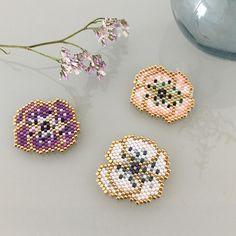 3014d089aa5 La petite anémone du hors série Création spécial bijoux du printemps  dernier est désormais disponible chez