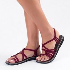 25 Practical Sandals That Are (Shockingly) Not Hideous