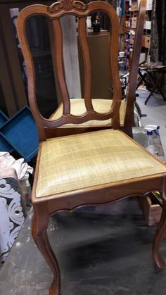 Chaise avant relooking Oldies factory Dining Chairs, Furniture, Home Decor, Homemade Home Decor, Home Furnishings, Dining Chair, Interior Design, Home Interiors, Decoration Home