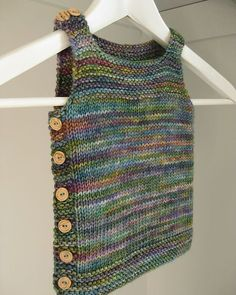 Pebble (Henry's Manly Cobblestone-Inspired Baby Vest) by Nikol Lohr Nikol Lo… – Knitting patterns, knitting designs, knitting for beginners. Baby Knitting Patterns, Knitting Blogs, Knitting For Kids, Easy Knitting, Kids Vest, Knit Vest Pattern, Knitted Gloves, Baby Sweaters, Ravelry
