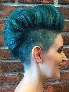 punky+voluminous+turquoise+fauxhawk