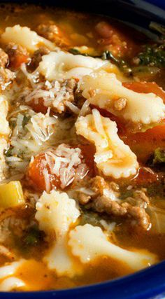 Hamburger Soup ~ Simple and inexpensive to make, but packs a lot of flavor. Source by Related posts: Hamburger Suppe – Smartpoints 2 watchers Rezepte einfach wat … Simple Classic Hamburger Soup Beef Soup Recipes, Healthy Soup Recipes, Ground Beef Recipes, Cooking Recipes, Southern Comfort, Hamburger Stew, Pioneer Woman Hamburger Soup, Slow Cooker, Chowder Soup