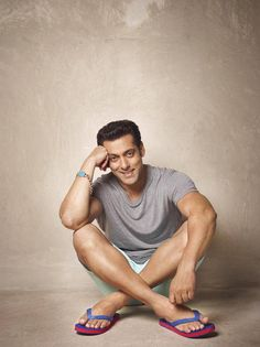 Cute Salman get more hd wallpapers click here http://picchike.blogspot.com/