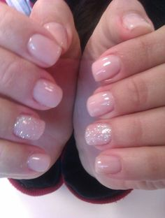 Natural gel nails with glitter dipped nails, gel nails with glitter, pink gel nails Nexgen Nails Colors, Pink Gel Nails, Glitter Gel Nails, Nail Polish Colors, Toe Nails, Pink Glitter, Shellac Manicure, Sparkle Nails, Glitter Makeup