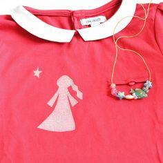 Admirer la créativité de sa petite fille Choute de 6 ans qui a pensé ce T shirt personnalisé pour l'anniversaire de sa copine. Dessin by Choute! #customiser #okaidi #toga #enfants #6ans #cadeau #monDIYamoi #thermocollant #dessin #princesse thermocollant @togaparis by feecassonade