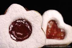 Blagdanski keksići kao uvod u 2011. / Festive cookies with cornstarch and marmalade | Bite my cake