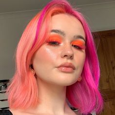 Pink Hair Dye, Hair Dye Colors, Dye My Hair, Pink Peach Hair, Neon Hair Color, 90s Grunge Hair, Split Dyed Hair, Hair Streaks, Hair Again