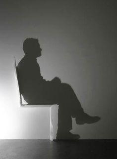 """épinglé par ❃❀CM❁✿""""Light and Shadow"""" est une superbe série de sculptures à base de lumière et d'ombres, imaginées par l'artiste japonais Kumi Yamashita, basé à New-York. Ch"""