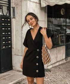 61 Best ideas off shoulder dress casual simple shirts Fashion Mode, Look Fashion, Trendy Fashion, Feminine Fashion, Daily Fashion, Everyday Fashion, Retro Fashion, Everyday Outfits, Affordable Fashion