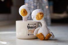 Uncinetto Amigurumi: papera - How to make a gosling Amigurumi Tutorial, Amigurumi Patterns, Doll Patterns, Dou Dou, Deco, Giraffe, Lily, Barbie, Make It Yourself
