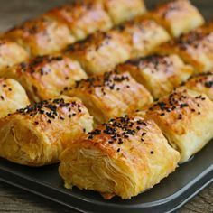 Patatesli, banyolu çıtır börek potato al horno asadas fritas recetas diet diet plan diet recipes recipes Pastry Recipes, Cooking Recipes, Diet Recipes, Good Food, Yummy Food, Turkish Recipes, Snacks, Brunch, Food And Drink