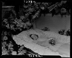 From the Harvard Art Museums' collections Untitled (Miss Gertrude Proctor in casket with flowers) Post Mortem Pictures, Quoth The Raven, Harvard Art Museum, Post Mortem Photography, Book Of The Dead, Momento Mori, Sombre, Sith, Full Figured
