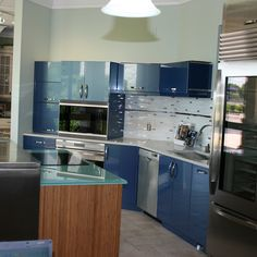 Our kitchen designers specialize in paint, traditional, and transitional kitchen cabinet design. Kitchen Design Gallery, Kitchen Cabinet Design, Remodeling Companies, Kitchen And Bath Remodeling, Blue Cabinets, Transitional Kitchen, Home Trends, Blue Accents, Beautiful Bathrooms