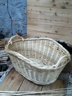 10 of 10 - washing basket - finished! This is a traditional English style of washing basket. Linen Baskets, Wicker Baskets, Washing Basket, English Style, Basket Weaving, Craftsman, Macrame, Knots, Traditional