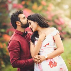 Awe-Inspiring Couple Poses For Pre Wedding Photography! Indian Wedding Couple Photography, Wedding Couple Photos, Couple Photography Poses, Candid Photography, Wedding Couples, Portrait Photography, Village Photography, Outdoor Photography, Couple Photoshoot Poses