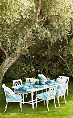 Love is blue. The Grayson dining collection got dreamy. Its pure white finish, an impeccable backdrop for pretty cushions and an enchanted tablescape. Outdoor Lounge, Outdoor Areas, Outdoor Living, Outdoor Decor, Garden Furniture, Outdoor Furniture Sets, 60 Round Dining Table, Palm Beach Decor, Beyond The Sea