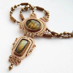 Жанетка Яковлева Ribbon Jewelry, Bead Embroidery Jewelry, Bead Jewellery, Clay Jewelry, Boho Jewelry, Pendant Jewelry, Beaded Jewelry, Fashion Jewelry, Soutache Pendant