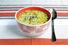 Soup Recipes, Dinner Recipes, Romanian Food, Soups And Stews, Cheeseburger Chowder, Healthy Eating, Supe, Urban, Greece