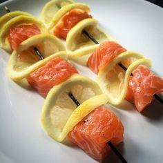 Kuchnia raz! : Delikatnie grillowane szaszłyki z łososiem i cytryną
