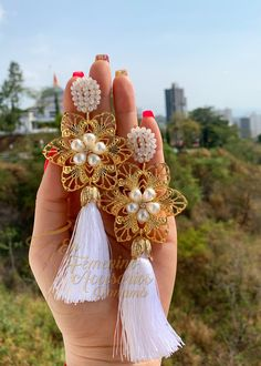 Beautiful maxi earrings with crystal tassel and details gold plated welrymaking Beaded Earrings Patterns, Tassel Earrings, Crochet Earrings, Earrings Handmade, Handmade Jewelry, Girly Things, Girly Stuff, How To Make Earrings, Designer Earrings