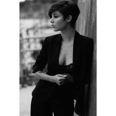"3,897 Me gusta, 38 comentarios - Giorgia Soleri (@giorgiasoleri_) en Instagram: ""· bond girl · ph @lucapoz mua @mua_elisa"""