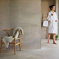 Christy (@christy_home) · Instagram 照片和视频 Towel, White Dress, Weather, Bath, Grey, Instagram, Gray, Bathing, Weather Crafts