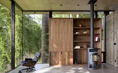 Case Inlet Retreat is a modern vacation home by MW Works Architecture+Design, nestled on the eastern edge of the Case Inlet, in Puget Sound, Washington. Home Trends, Cozy Cabin, Furniture Layout, Interior Architecture, Interior Design, Design Interiors, Tall Cabinet Storage, Living Spaces, Living Room