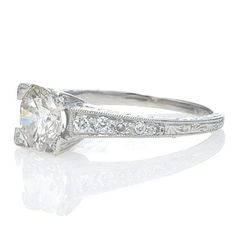 Antique looking wedding ring. Taken from a 1920's style. Beautiful!