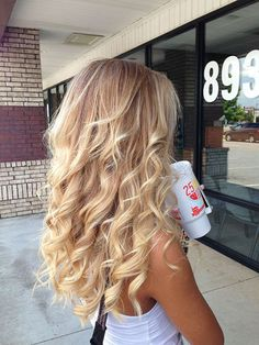 Blonde Ombre Balayage Wavy Curly Curls Brown